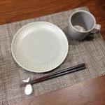 ひとめぼれしたグレーの食器&お気に入りの箸置き